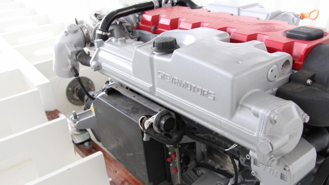 Bootsmotoren-Einbau